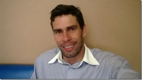 Vendo a vida de um ponto de vista diferente. Por Júnior Pereira, Auto ajuda e Motivação.